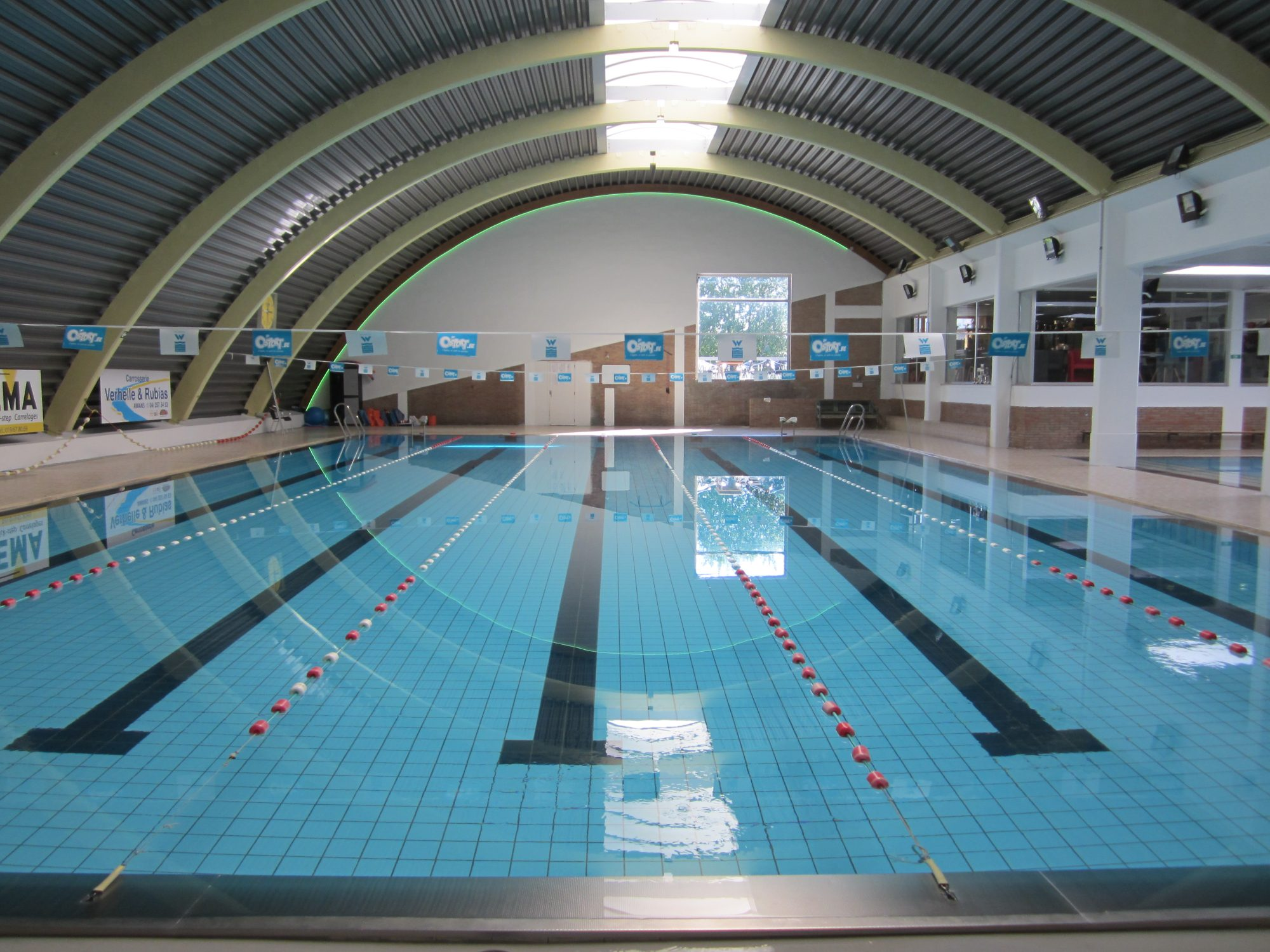 Piscine de crisn e bienvenue la piscine de crisn e for Club piscine laval heures d ouverture